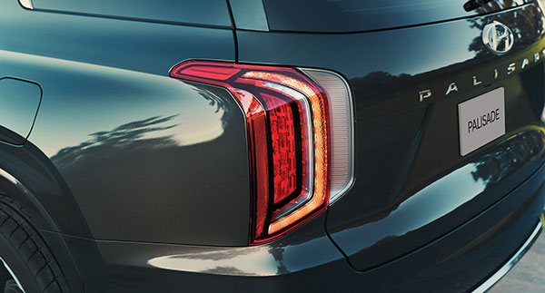 2020-hyundai-palisade-design-features-3-taillights