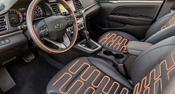 elantra-interior-features-heatedwheel