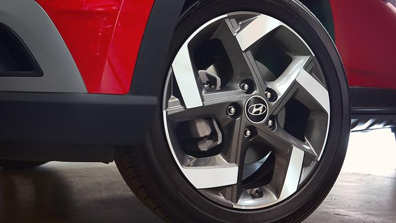 venue-exterior-alloy-wheels
